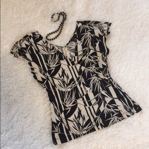 Black and cream stretchy blouse S